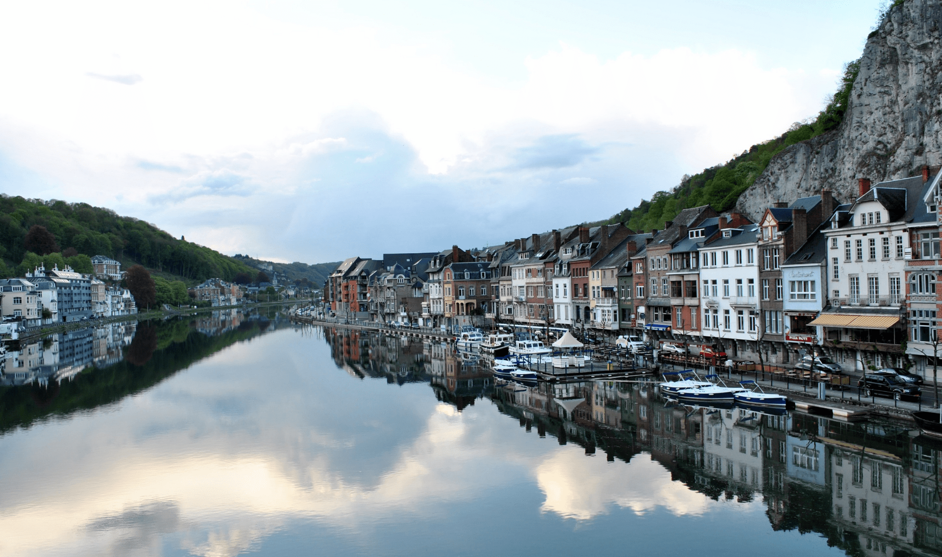 Fietsvakantie Internationale Maasroute van Sedan naar Maastricht