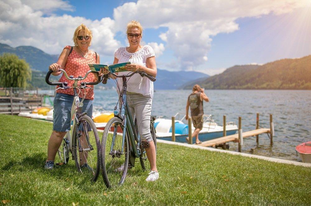 h en m bij meer met fiets