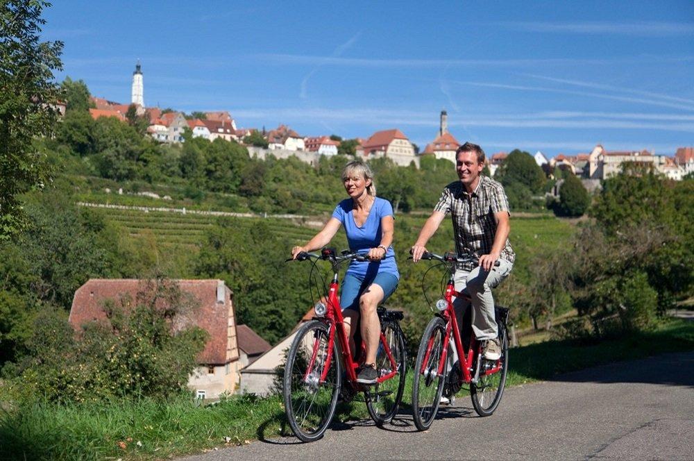 altmuhl echtpaar op de fiets