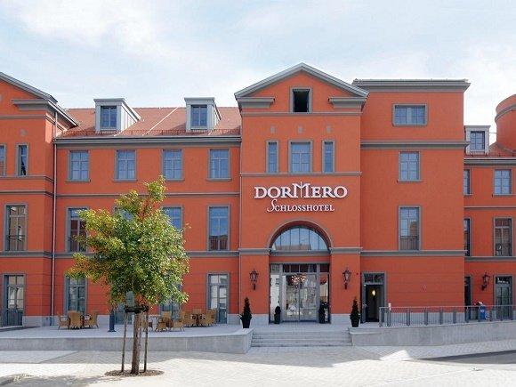Voorzijde Dormero Schlosshotel Hersbruck
