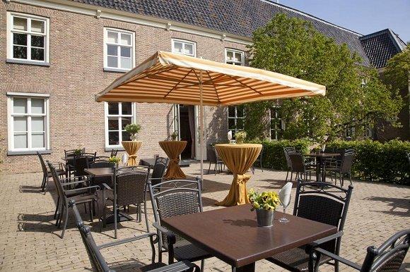 Hotel Oldruitenborgh terras