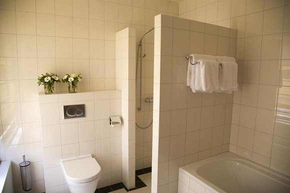 Hotel Oldruitenborg badkamer