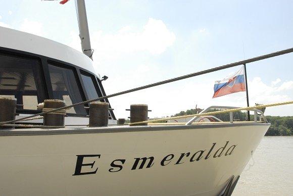ms esmeralda vooraanzicht