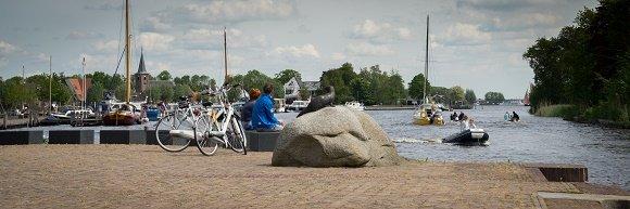 Fietsers en bootjes Friesland