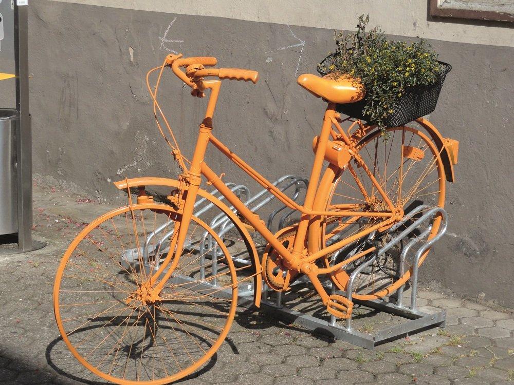 Oranjefiets op plein