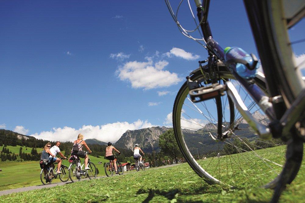 Fietswiel met fietsers Pfronten