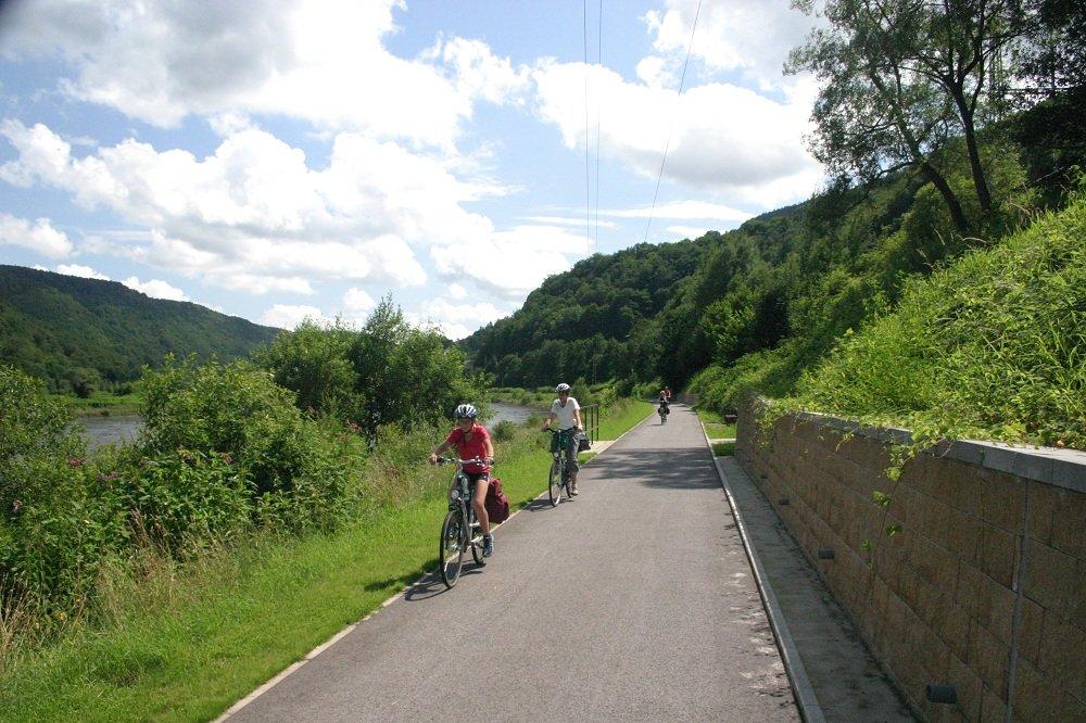 fietsers op fietspad