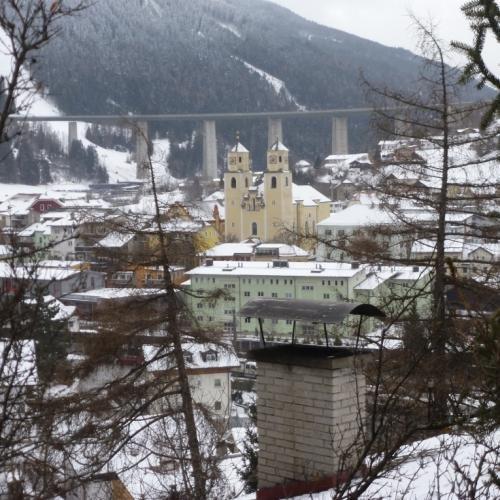 Steinach am Brenner onder de Brenner-autobahn
