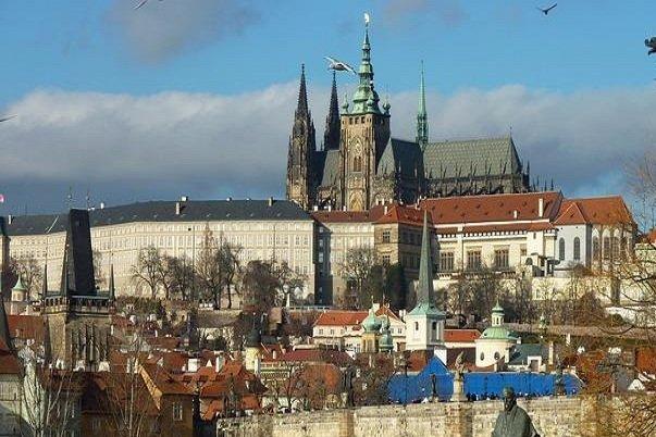 Zicht op de burcht van Praag