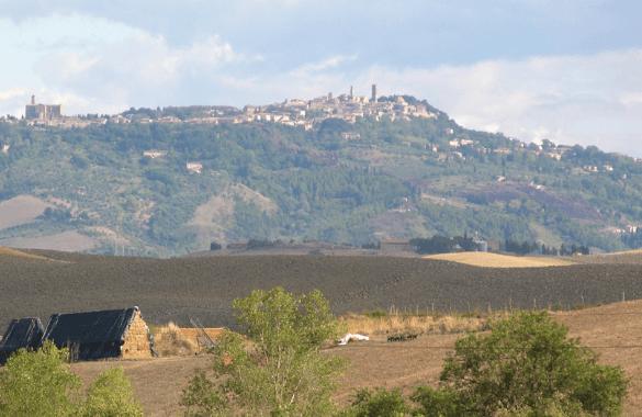 Onbegrensd Fietsen naar Rome - nadering van Volterra|Fitál Vakanties