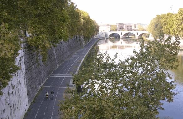 Onbegrensd Fietsen naar Rome - fietspad langs de Tiber in Rome|Fitál Vakanties
