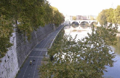 Onbegrensd Fietsen naar Rome - fietspad langs de Tiber in Rome Fitál Vakanties