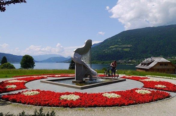 Fietsen rond beroemde meren, zoals de Ossiachersee tijdens de fietsvakantie Karinthië Kreinerhof