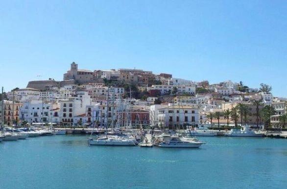 Online bestellen: Fietsvakantie Ibiza groepsreis