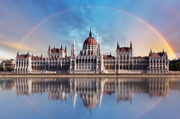 Fietsen door wereldsteden als Keulen, Passau, Wenen, Bratislava, Budapest en Györ