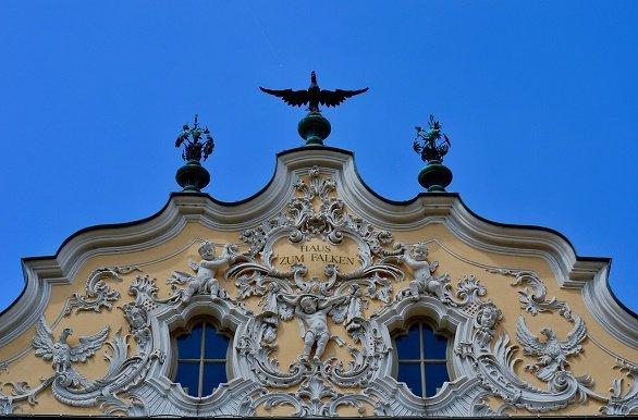 Haus zum Falken detail fietsen langs de Main