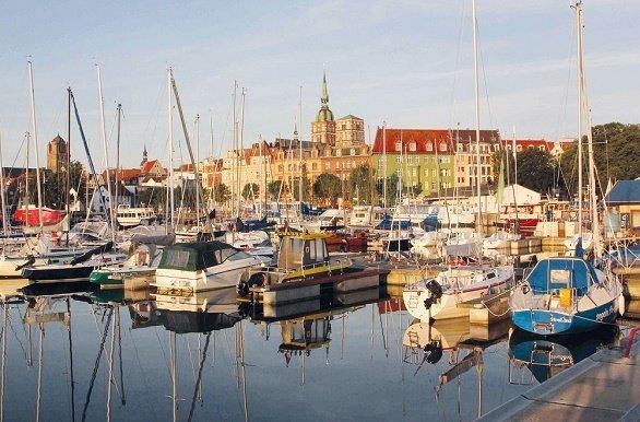 Stralsund haven  fietsen langs de Oostzeekust