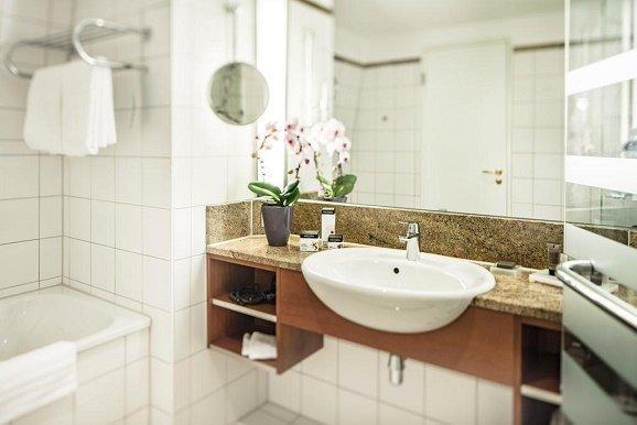 Radisson Blue Schlosshotel Fleesensee badkamer