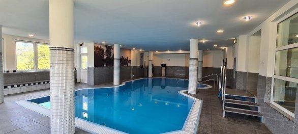 Hotel Arzlerhof zwembad