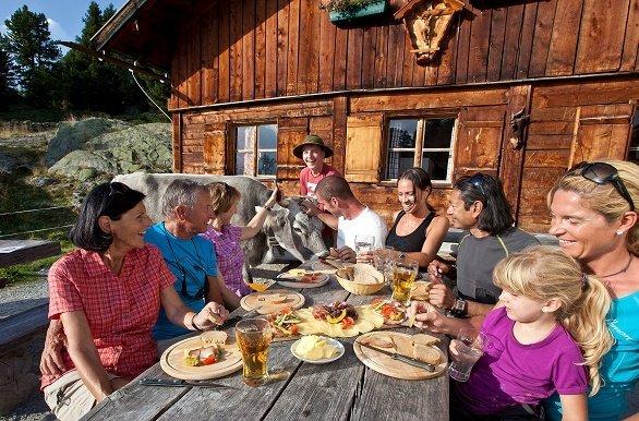 Lunchen bij berghut