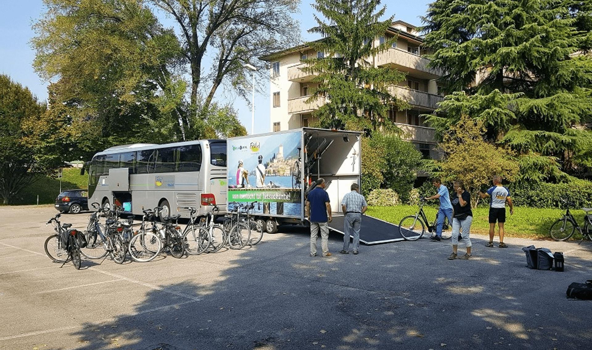 Fitál Vakanties : Fietsgroepsvakanties per fietsbus met eigen fietstrailer