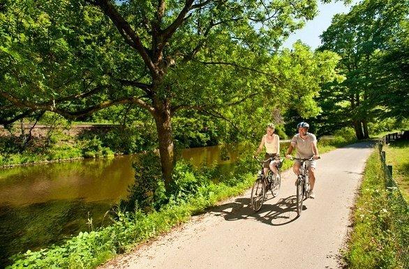 fietsers langs de Lahn