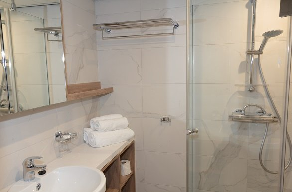 De Hollland badkamer bovendek en benedendek