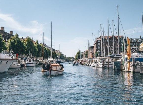 Kopenhagen varen in de stad