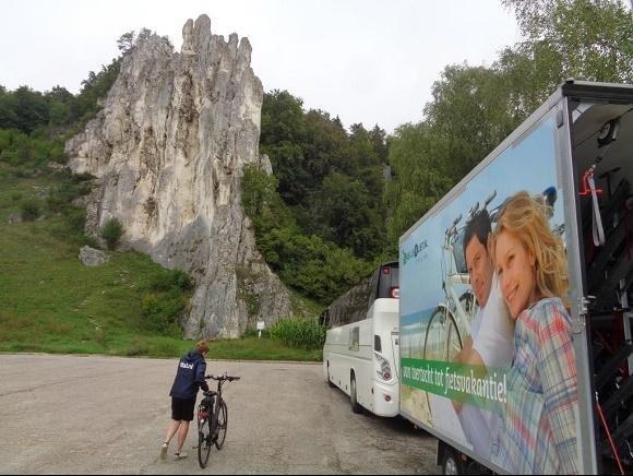 Bus bij  Dollnstein Altmuhl