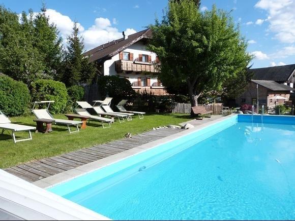 Hotel Zum Lowen Rodeneck zwembad