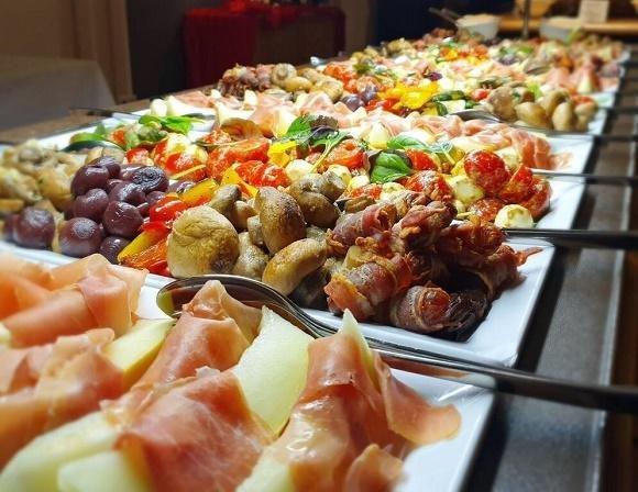 Hotel Merfelderhof buffet